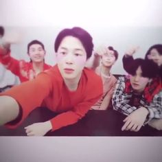 , Funny Categories Fuunyy Source by kjdlksd. Bts Taehyung, Bts Bangtan Boy, Bts Jimin, Hoseok Bts, Foto Bts, Bts Video, Foto E Video, Bts Memes, J Hope Dance