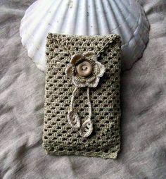 Soft sand cell phone cozy lacy crochet sleeve by hypericumfr. Crochet Phone Cover, Crochet Case, Crochet Purses, Knit Crochet, Pochette Portable, Crochet Mobile, Cell Phone Pouch, Phone Cases, Crochet Accessories