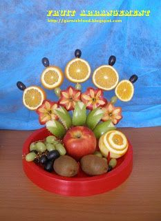 Fruit Carving Arrangements and Food Garnishes: Simple Fruit Carving Arrangement With Apples and Oranges. Friut Fan