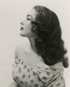 Victory Rolls: The Hairstyle That Defined the 1940s Women's Hairdo ~ vintage everyday
