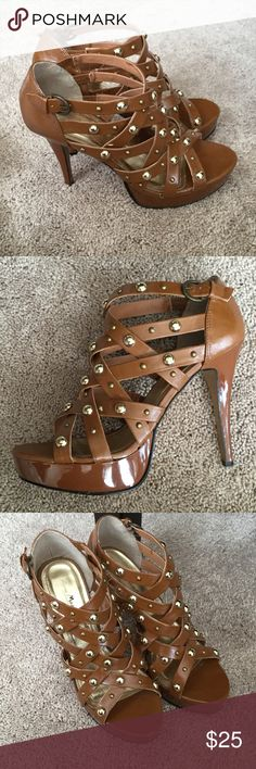 """ANNE MICHELLE ESSENCE STUDDED STRAPPY PLATFORMS See my other cute items**  size 7.5, named Essence, man made materials, side buckle closure.  Heel height 4 3/4"""". Anne Michelle Shoes Platforms"""