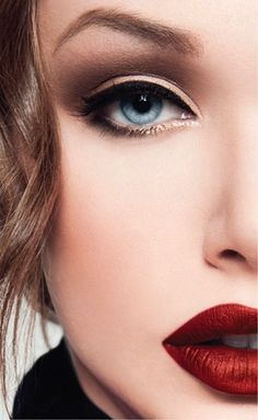 Hall of Fame: Top Five Eye Liners