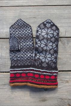 Wool gloves gray and black/ fingerless mittens/ gloves by lyralyra, $36.00