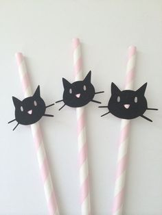 10 Kitty Cat Paper Straws on Pink Paper by PaperTrailbyLauraB