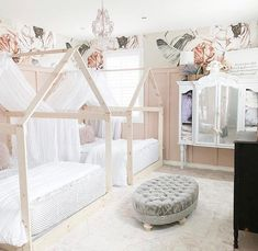 Beddy's are what dreams are made of. @burlap_bundles #beddys #zipperbedding #zipyourbed #girlbedding #girlbed #beddysbeds #girlyroom #girlsroomdecor #girlsroom #girlsroominspo #girlsroominspiration #girlsroomdecoration #girlsroomstyling #girlystuff Floral Bedroom Decor, Boho Decor, Beddys Bedding, Zipper Bedding, Shared Bedrooms, Make Your Bed, White Bedding, Girls Bedroom, Bedroom Ideas