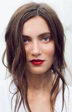 Wine red lips: Η εναλλακτική του κόκκινου κραγιόν | Jenny.gr