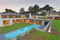 MODERN BLEND OF TRADITIONAL AND CONTEMPORARY | South Africa Luxury Homes | Mansions For Sale | Luxury Portfolio