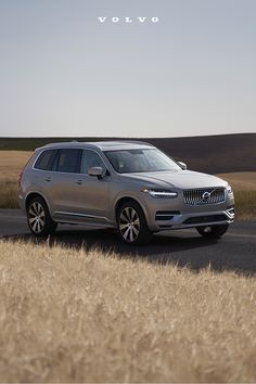 The spacious Volvo XC90 offers the perfect blend of advanced safety technology and superior comfort for the whole family. Cars Usa, Volvo Cars, Volvo Xc90, Luxury Suv, Fuel Economy, Dream Cars, Safety, Technology, Autos