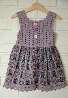 Produktbilde Source by mabelpavesi Crochet Girls Dress Pattern, Baby Sweater Knitting Pattern, Baby Dress Patterns, Baby Knitting Patterns, Crochet Summer Dresses, Crochet Baby Clothes, Diy Dress, Baby Sweaters, Toddler Dress
