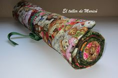 Guardabloques o Jelly Roll Tutorial Patchwork, Patchwork Ideas, Pin Cushions, Floral Tie, Lana, Sewing Crafts, Applique, Patches, Quilts