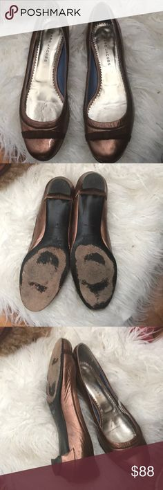Gorgeous Marc Jacobs flats Gorgeous Marc Jacobs flats in bronze metallic finish, Italian made, pe00 Marc Jacobs Shoes Flats & Loafers