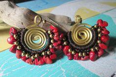Ohrringe mit roten Stein-Nuggetsgehäkelt mit von HippiesDreamShop