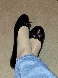 I used to have a pair just like these. Ballerina Slippers, Ballerina Shoes, Ballet Flats, Cute Emo Girls, Foot Socks, Ballerinas, Mens Tights, Pantyhose Outfits, Nylons Heels