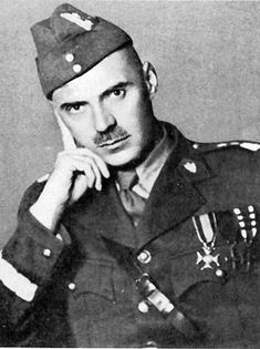 Wladyslaw Anders - a Polish General and commander of the Corps during the war. When Germany invaded Poland, he was captured by the Red Army. After Nazi invasion of USSR he was released and placed in command of the Polish Armed Forces in the East until Battle Of Monte Cassino, Polish Government, Poland People, Poland History, Italian Campaign, Man Of War, Battle Of Britain, Military History, Red Army