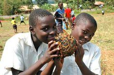 "Angola ""football"" via FUNDaFIELD Play Soccer, Creative Kids, Caramel Apples, Kids Playing, Desserts, Football, Smile, Food, Tailgate Desserts"
