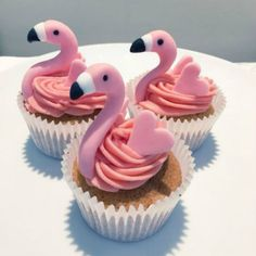 Flamingo cupcakes - For all your cake decorating supplies, please visit www. , Flamingo cupcakes - For all your cake decorating supplies, please visit www. Flamingo Cupcakes, Pink Cupcakes, Tropical Cupcakes, Themed Cupcakes, Hawaiian Cupcakes, Cupcakes Kids, Pineapple Cupcakes, Decorated Cupcakes, Pretty Cupcakes