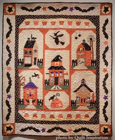 Sew Spooky Halloween Quilt by Lorena Norris, quilted by Natalie Thompson. Pattern by The Quilt Company. Photo by Quilt Inspiration. Halloween Sewing, Fall Sewing, Spooky Halloween, Halloween Crafts, Halloween Labels, Halloween Stuff, Vintage Halloween, Halloween Pumpkins, Halloween Makeup