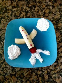 Airplane snack. I used colored chocolate covered sunflower seeds on top. http://www.amynjesse.com/2012/04/creative-kid-snacks-6.html