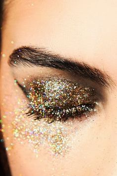 Glam Observer: The best makeup looks for the New Year 2014 #makeup #capodanno #newyear #makeupcapodanno