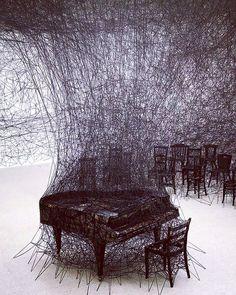 """Thread Art Installation by Japanese Artist Chiharu Shiota in Pitssburgh, PA. Land Art, String Installation, Art Installations, Illusion Kunst, Modern Art, Contemporary Art, Modern Gothic, Gothic Art, Art Fil"