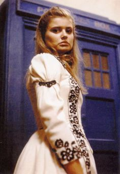 I know this is Doctor Who, but I love this dress! Ace portrayed by Miss Sophie Aldred.