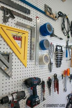 How to organize and garage organization hacks. Looking for DIY garage storage id. How to organize and garage organization hacks. Looking for DIY garage storage ideas? From garage st Garage Organization Tips, Garage Tool Storage, Organisation Hacks, Workshop Storage, Garage Tools, Garage Workshop, Diy Storage, Diy Workshop, Garage Bike