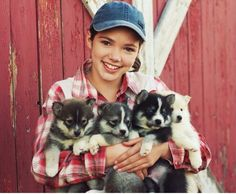 Alisha on set of Heartland Season 8
