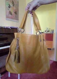 Kupuj mé předměty na #vinted http://www.vinted.cz/damske-tasky-a-batohy/kabelky-do-ruky/17517758-kozena-italska-kabelka-pres-rameno