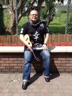 J'adore ce T-shirt, même si il est sans doute un peu too much :) #ukulele #musician