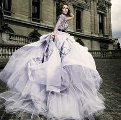 Savourer la beauté de la robe de soirée dentelle en 45 photos!