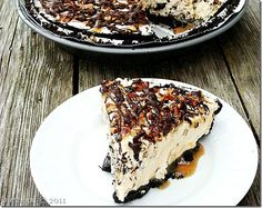 Snickers and Turtles Pie | www.diethood.com