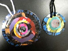 warm and cool color collage art lesson | Altenate warm and cool color necklace collage | Collage Lesson Ideas