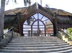 Bak, Makovecz house entrance