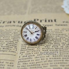 Old Clock Glass Cab Adjustable Ring. Old Clocks, Antique Clocks, Vintage Clocks, Ring Clock, Tick Tock Clock, Father Time, Old Watches, Old Antiques, Ticks