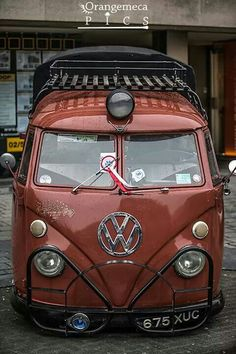 Volkswagen Rescue Van... love the center light, looks like a train.