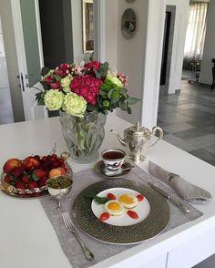 Поздний завтрак переходящий плавно в обед перед долгим перелётом  в Бразилию ) #рубрикамоизавтраки