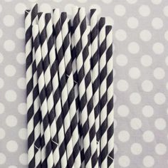 Black/White Straws.... <3 these!