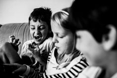 Carla Kogelman World Press Photo, Two Sisters, Black And White Portraits, Live Life, Growing Up, Amsterdam, Documentaries, Photographers, Culture
