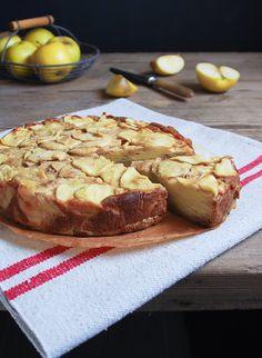 Tarta invisible de manzana... poca harina, poco azúcar y mucha manzana... sana, sana  :)