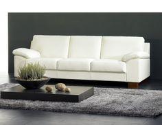 Valkoisen ja mustan upea kontrasti ⚪  Malli: Poet Vaihtoehdot: 2- ja 3-istuttava sohva, modulisohva, tuoli, rahi Jälleenmyyjä: Sotka-myymälät  #pohjanmaan #pohjanmaankaluste  #koti #sohva #olohuone #livingroominspo #livingroomdecor