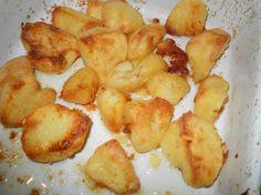 Aardappelen uit de oven. Heel gemakkelijk bij een etentje want dan heb je je handen vrij voor andere dingen. De aardappelen zijn heerlijk krokant door de...