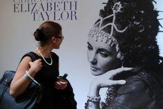 Google Image Result for http://4.bp.blogspot.com/-jUHRujb3LIQ/Tnewr4xszDI/AAAAAAAACsc/RMTEhz6tcOQ/s1600/Elizabeth-Taylor-jewelry-collection-poster.jpg
