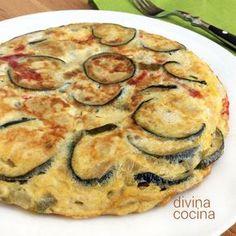 Tortilla de berenjenas, queso y pimientos
