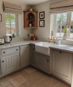 31 Most Popular Kitchen Color Schemes ~ Gorgeous House Home Decor Kitchen, Country Kitchen, New Kitchen, Home Kitchens, Kitchen Design, Kitchen Ideas, Cosy Kitchen, Popular Kitchen Colors, Cuisines Diy