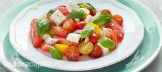 Tomatensalade met mozzarella, heerlijk!