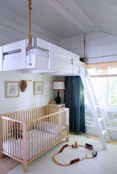 Hochbett selber bauen ideen  Weiße Farbtönung und Spielraum im zweiten Stock für Kinderzimmer ...