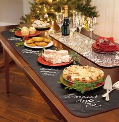 10 Christmas Buffet Table Ideas on Tabletop Tuesday \  Decorating Files | #christmasbuffetable