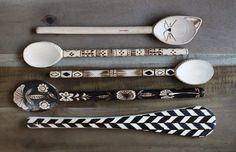 DIY Wood Burned Spoons. Great holiday gift