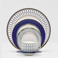 Renaissance Gold 5 Pce Place Setting by Wedgwood from Wedding List Co - The Leading Bridal Registry Specialist