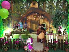 """657 curtidas, 4 comentários - @cassianedorigon (@ideiasdebolosefestas) no Instagram: """"Dani, querida, arrasando nas decorações. Linda Masha e o Urso by @dreams_daniscarpato. .…"""""""